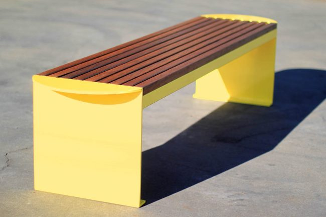 TM4321 (Australian hardwood timber battens, powdercoated frame)