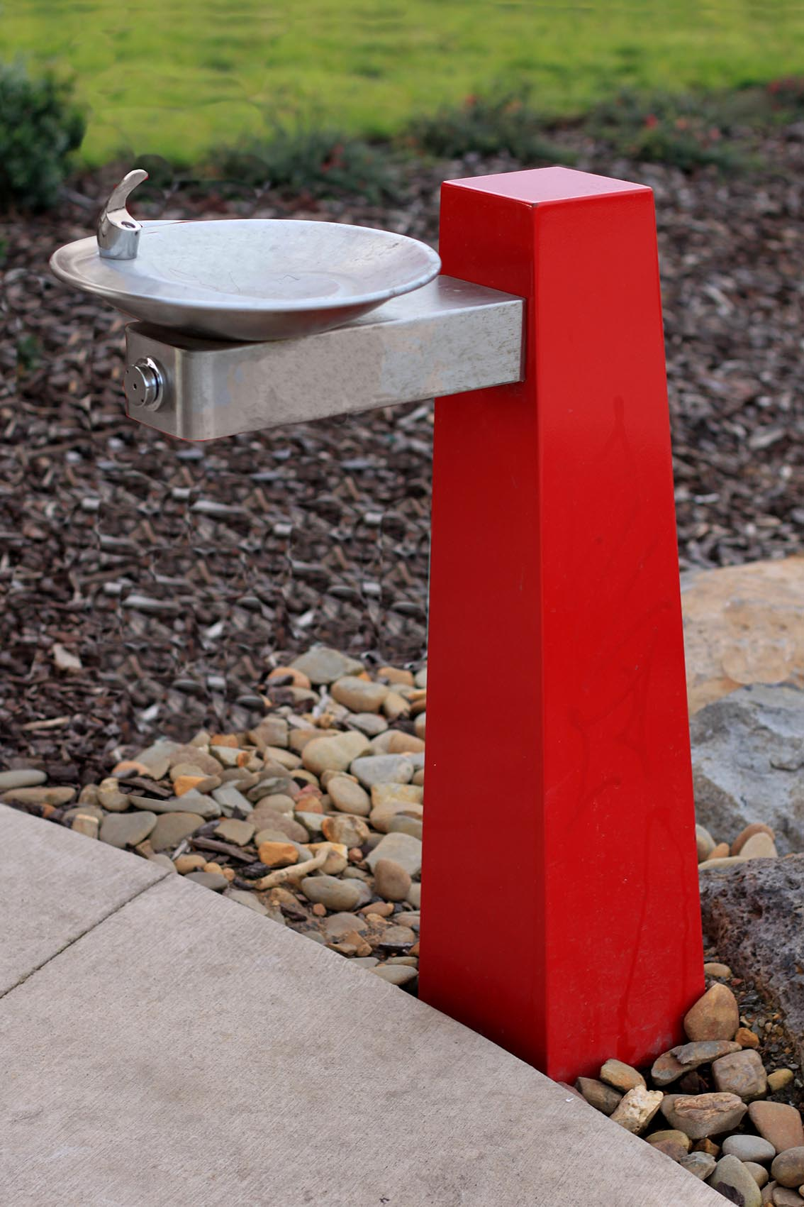 Plaza Drinking Fountain - Commercial Systems Australia