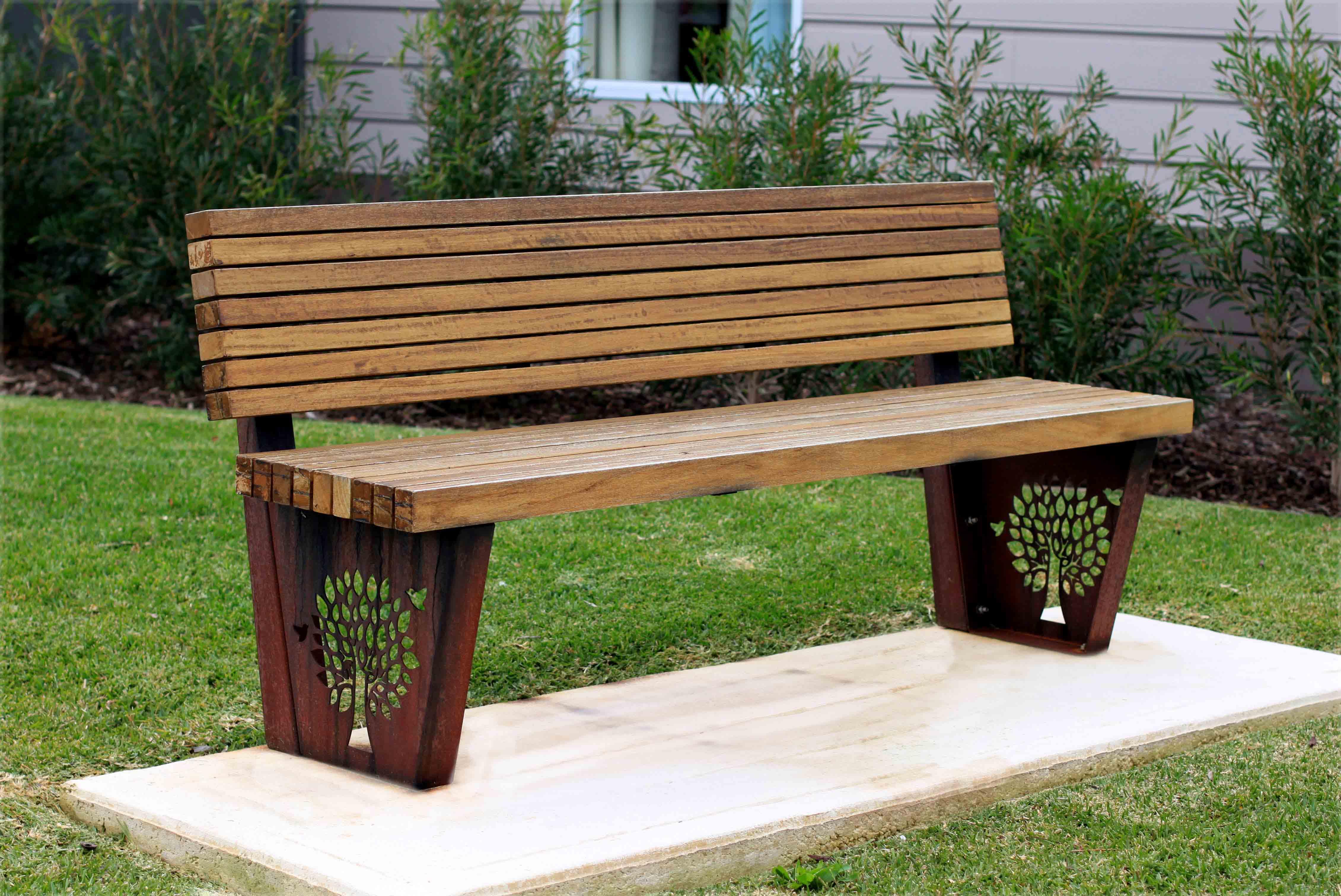 TM4551 (Rustic Corten frame, Australian hardwood timber)