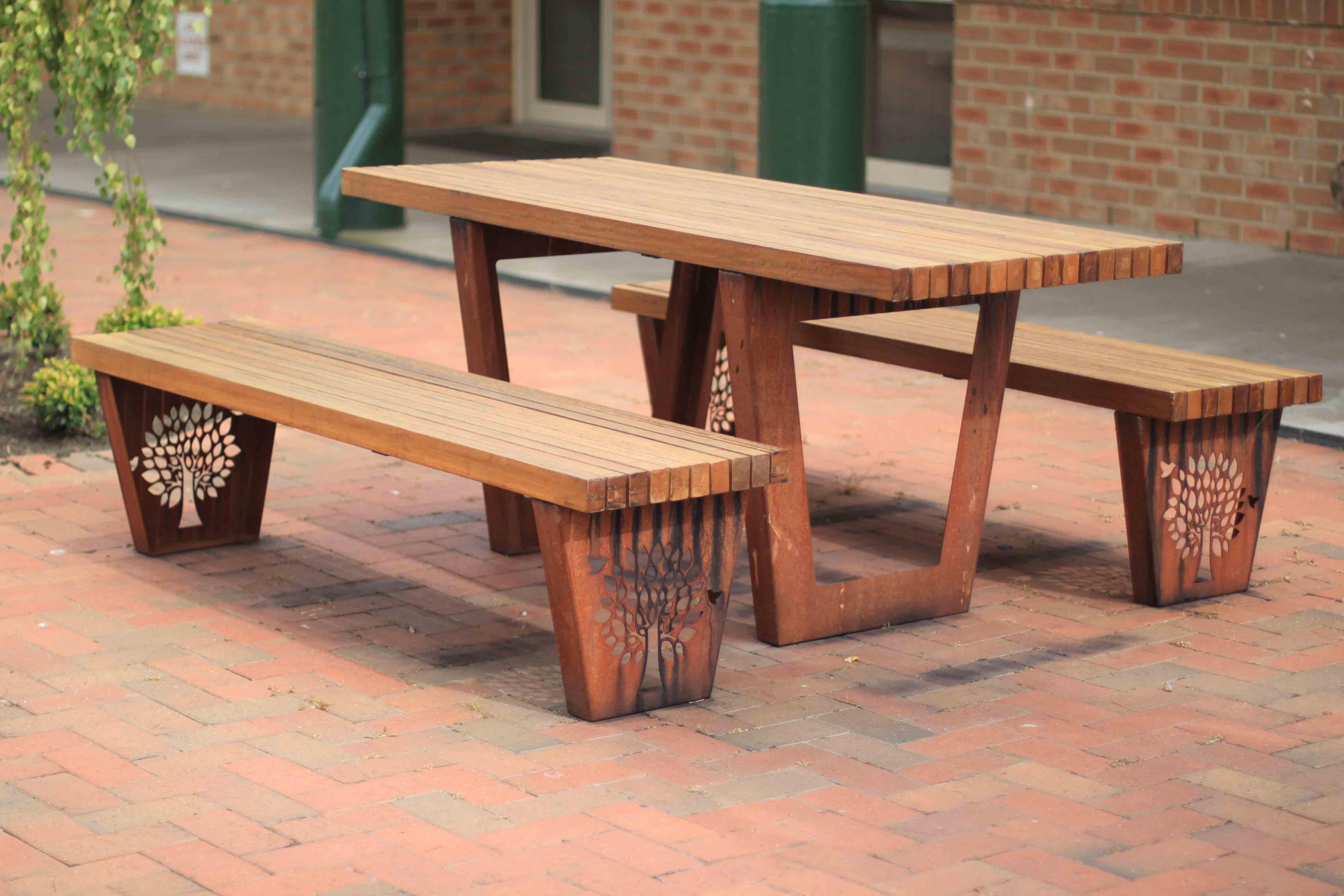 TM4550 TM4552 (Rustic Corten frame, Australian hardwood timber)