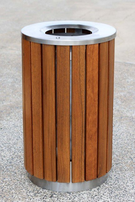 LR6227 (Australian hardwood timbers, stainless steel frame and lid)