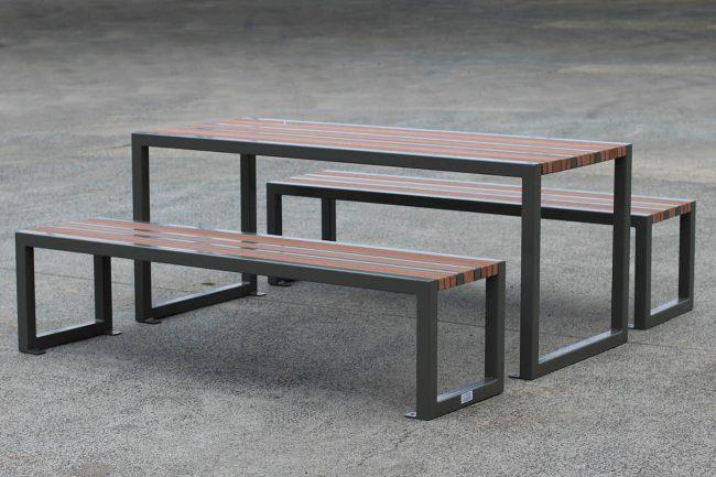 TM4562-63 (Enviroslat battens, powdercoated frame)