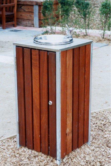 DF5055 (Mild steel frame, Australian hardwood timber)