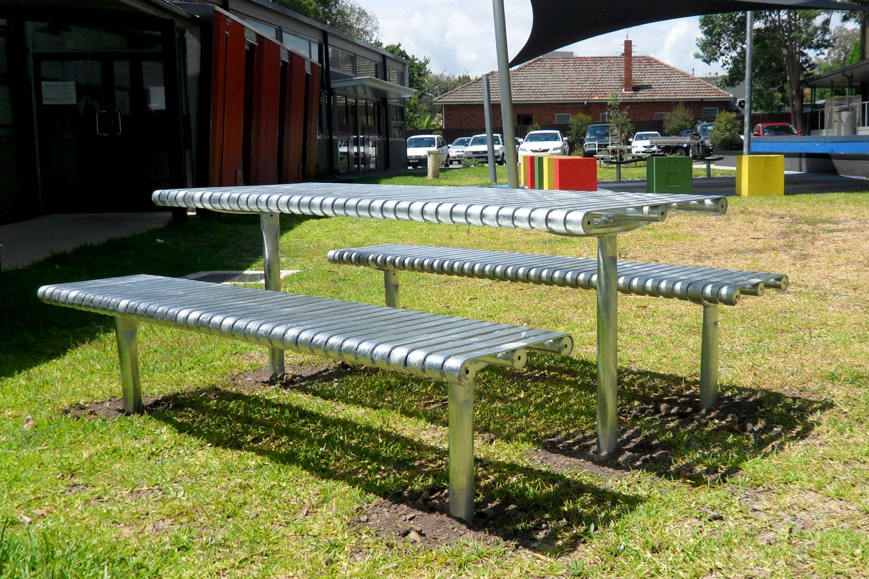 Steel Slat Setting with Benches