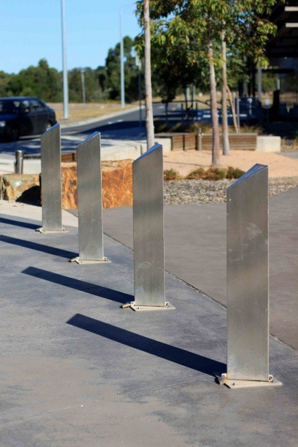 SB2076 Triangular Bollard (Hinged/fold down)