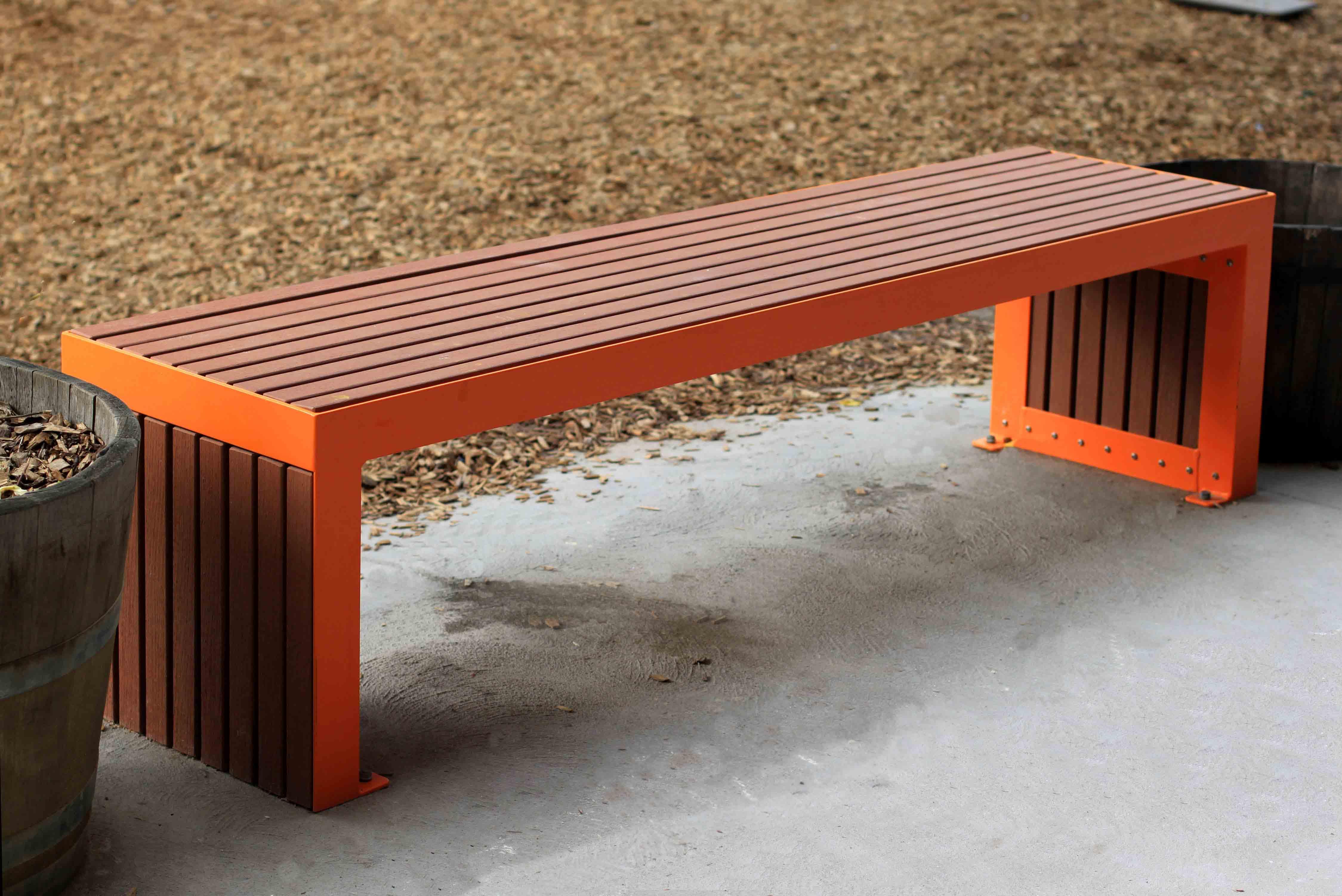 Corso Bench