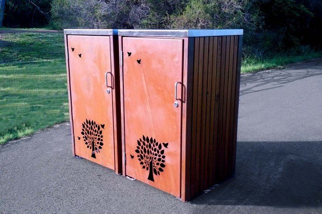 LR6162 (Corten body, SSF lid, Australian hardwood timber)